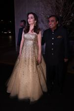 Nita Ambani, Mukesh Ambani at Manish Malhotra�s 50th birthday bash hosted by Karan Johar on 5th Dec 2016 (322)_5846855c9499c.JPG