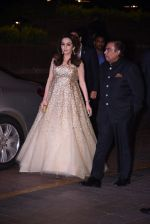 Nita Ambani, Mukesh Ambani at Manish Malhotra�s 50th birthday bash hosted by Karan Johar on 5th Dec 2016 (324)_5846855e54de1.JPG