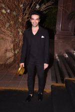 Punit Malhotra at Manish Malhotra�s 50th birthday bash hosted by Karan Johar on 5th Dec 2016 (34)_58468596c24e8.JPG