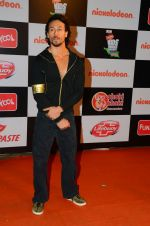 Tiger Shroff at Nickelodeon_s Kids Choice Awards on 5th Dec 2016 (36)_5846611c015b0.jpg