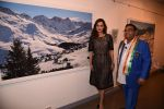 Dia Mirza at Dr Mukesh Batra photo exhibition and calendar launch on 6th Dec 2016 (23)_5847b3060c527.JPG