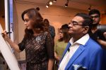 Dia Mirza at Dr Mukesh Batra photo exhibition and calendar launch on 6th Dec 2016 (44)_5847b316a1060.JPG