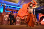 Ranveer Singh, Baba Ramdev at  at the Agenda Aaj Tak 2016 on 6th Dec 2016 (65)_5847ba6c6f9b8.jpg