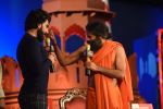 Ranveer Singh, Baba Ramdev at  at the Agenda Aaj Tak 2016 on 6th Dec 2016 (68)_5847ba6fa0436.jpg