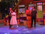Sonu Nigam, Anu Malik on The Kapil Sharma Show on 7th Dec 2016 (6)_58491000ef24b.JPG