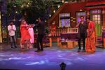 Sonu Nigam, Anu Malik on The Kapil Sharma Show on 7th Dec 2016 (7)_58491001f11e9.JPG