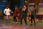 Sonu Nigam, Farah Khan & Anu Malik on The Kapil Sharma Show on 7th Dec 2016 (10)_5849100315858.JPG