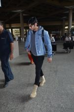 Ahan Shetty_s at airport on 7th Dec 2016 (13)_584903d22ddcd.JPG