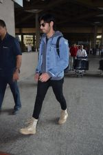 Ahan Shetty_s at airport on 7th Dec 2016 (14)_584903d2cc65f.JPG