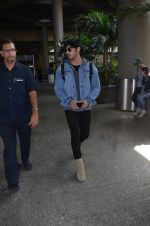 Ahan Shetty_s at airport on 7th Dec 2016 (2)_584903cbb6515.JPG