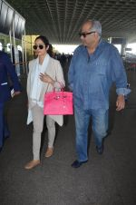 Sridevi, Boney Kapoor snapped at airport on 7th Dec 2016 (19)_5849070cd793a.JPG