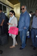 Sridevi, Boney Kapoor snapped at airport on 7th Dec 2016 (32)_58490712d67a2.JPG