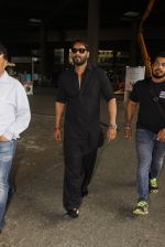 Ajay Devgan snapped in airport on 8th Dec 2016