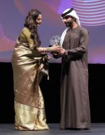 Rekha awarded at DIFF Lifetime Achievement Award (7)_584a541f4ebfc.JPG