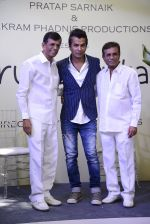 Abbas Mastan at Vikram Phadnis Debut film launch on 10th Dec 2016 (29)_584d696695255.JPG
