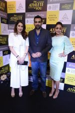 Zaheer Khan at kinita kadakia patel book launch on 10th Dec 2016 (123)_584d6bf07eb88.JPG