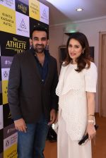 Zaheer Khan, Sagarika Ghatge at kinita kadakia patel book launch on 10th Dec 2016 (122)_584d6bb8db077.JPG