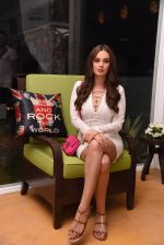 Evelyn Sharma at the launch of Shane Falguni Peacock store launch at Marbella Resort in Goa on 12th Dec 2016 (30)_584fc033dcfb6.JPG