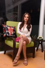 Evelyn Sharma at the launch of Shane Falguni Peacock store launch at Marbella Resort in Goa on 12th Dec 2016 (32)_584fc0351bbdb.JPG