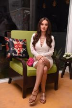 Evelyn Sharma at the launch of Shane Falguni Peacock store launch at Marbella Resort in Goa on 12th Dec 2016 (31)_584fc0347b8da.JPG