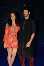 Shraddha Kapoor and Aditya Roy Kapoor on the sets of Indian Idol on 12th Dec 2016 (10)_584fc1468a694.JPG