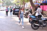 Adhuna Bhabhani snapped in Bandra on 14th Dec 2016 (6)_585258b9b43d6.JPG