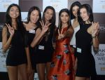 Pooja Hegde at Lakme fashion week model auditions on 14th Dec 2016 (19)_58525be18e3b5.JPG