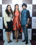 Pooja Hegde at Lakme fashion week model auditions on 14th Dec 2016 (20)_58525be275589.JPG