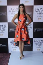 Pooja Hegde at Lakme fashion week model auditions on 14th Dec 2016 (20)_58525bbeb5e2e.JPG