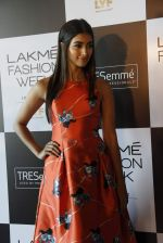 Pooja Hegde at Lakme fashion week model auditions on 14th Dec 2016 (9)_58525bd8b7d95.JPG