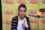 Shruti Seth on the sets of Radio Mirchi on 14th Dec 2016 (3)_58525edf480bb.JPG