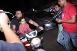 Sohail Khan snapped on bike with his son in Bandra on 14th Dec 2016 (6)_58525ef373c65.JPG