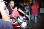 Sohail Khan snapped on bike with his son in Bandra on 14th Dec 2016 (7)_58525ef40c5dc.JPG
