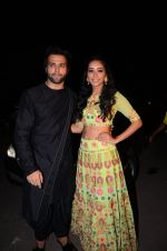 Asha Negi, Rithvik Dhanjani at kishwer merchant_s sangeet on 15th Dec 2016 (140)_5853a7b9c2b1d.JPG
