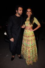 Asha Negi, Rithvik Dhanjani at kishwer merchant_s sangeet on 15th Dec 2016 (142)_5853a7ba53fbd.JPG