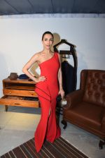 Malaika Arora Khan at BMW mini car launch with Ravi Bajaj show on 15th Dec 2016 (38)_5853aa094847f.JPG