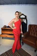 Malaika Arora Khan at BMW mini car launch with Ravi Bajaj show on 15th Dec 2016 (39)_5853aa09d8a23.JPG
