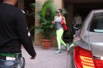 Malaika Arora spotted at bandra on 15th Dec 2016 (1)_58538e991533f.JPG