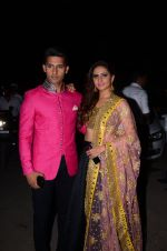Sargun Mehta, Ravi Dubey at kishwer merchant_s sangeet on 15th Dec 2016 (80)_5853a9484156e.JPG