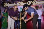 Aditya Roy Kapoor spends his day with cancer kids at Tata Mermorial Hospital on 18th Dec 2016 (8)_5857904535a55.JPG