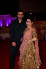 Mahi Vij, Jay Bhanushali at Photographer Munna S wedding reception on 18th Dec 2016 (222)_58579274c11c5.JPG