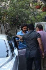 Riteish Deshmukh snapped in Bandra on 18th Dec 2016 (1)_585791767443a.JPG