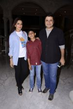 Sonali Bendre came to watch Stomp on 17th Dec 2016 (12)_58578800ede9c.JPG
