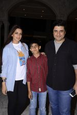 Sonali Bendre came to watch Stomp on 17th Dec 2016 (13)_58578801bb680.JPG