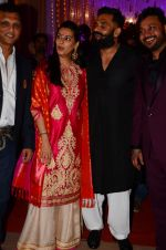 Sunil Shetty, Mana Shetty at Photographer Munna S wedding reception on 18th Dec 2016 (131)_585792a27c6bf.JPG