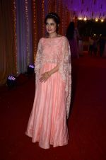 Yuvika Chaudhary at Photographer Munna S wedding reception on 18th Dec 2016 (137)_585792ce7d989.JPG