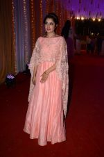 Yuvika Chaudhary at Photographer Munna S wedding reception on 18th Dec 2016 (136)_585792cded108.JPG
