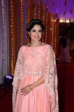 Yuvika Chaudhary at Photographer Munna S wedding reception on 18th Dec 2016 (138)_585792cf137ee.JPG