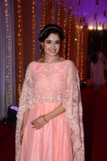 Yuvika Chaudhary at Photographer Munna S wedding reception on 18th Dec 2016 (139)_585792cfa14bc.JPG