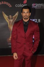 Karan Singh Grover at Sansui COLORS Stardust Awards_5858d030e9c6d.JPG